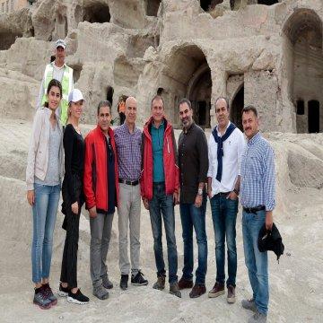 Turizmciler dünyanın en büyük yeraltı şehir yerleşimini gezdi